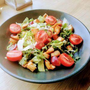 chicken blue cheese salad