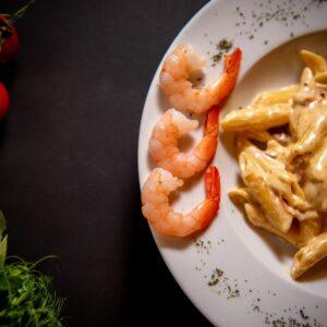 Garlic shrimp mac and cheese