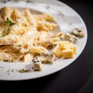 Quattro formaggi pasta